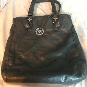 Michael kors purse. Perfect condition.